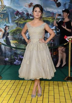 "Mila Kunis in #dolcegabbana to the Premiere of ""Oz The Great and Powerful"""