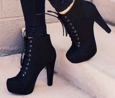 Cute Black Pumps