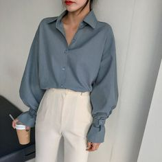 graue Sonne 🔆 Look Stil Mode Mode Look Bluse gr. Fashion Mode, Blue Fashion, Look Fashion, 90s Fashion, Fashion Outfits, Womens Fashion, Fashion Ideas, Fashion Styles, Feminine Fashion