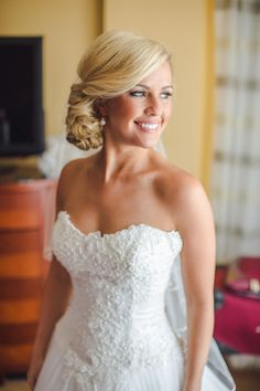 Classically elegant bride, formal wedding day hairstyle, sophisticated up-do // Richard Bell Photography