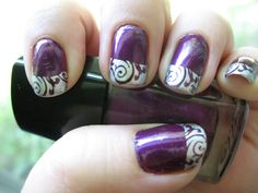 Nails with the wedding colors, dark purple and silver.
