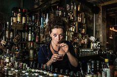 Serveuse chez Grazie à Paris, photo prise au Leica M9 www.camillegabarra.com #streetportrait #photographe #since1974