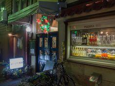 【ロージナ茶房(国立)】 国立駅前にある1953年創業の老舗喫茶店。料理が非常に充実していて、「喫茶店」というより「洋食屋」に近いかもしれません。どのメニューも非常にボリュームが多いです。
