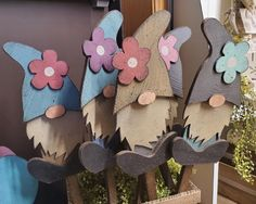 Summer Crafts, Fall Crafts, Crafts For Kids, Winter Wood Crafts, Wood Laser Ideas, Wood Craft Patterns, Craft Projects, Projects To Try, Scroll Saw Patterns Free