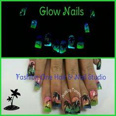 Beach nails that glow in the dark.  #cruise #GlowInTheDark #coloredacrylic #handpaint #coolnails #nailsbytammy