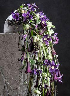 Cascade of waterval Art Floral, Floral Artwork, Floral Design, Summer Flower Arrangements, Floral Centerpieces, Floral Arrangements, Cascade Design, Zantedeschia, Corporate Flowers