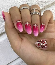 Pink Ombre Acrylic Nail Design Now we have acrylic nail designs for brief and lengthy nails in a casket, almond, sq. and different nail shapes. Matt, glitter, designs with rhinestones. Ombre Nail Designs, Acrylic Nail Designs, Nail Art Designs, Acrylic Nails, Perfect Nails, Gorgeous Nails, Pretty Nails, Bride Nails, Wedding Nails