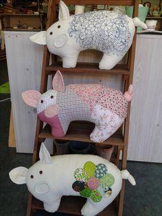 Ambrosial Make a Stuffed Animal Ideas. Fantasting Make a Stuffed Animal Ideas. Sewing Toys, Sewing Crafts, Sewing Projects, Pig Crafts, Animal Crafts, Sewing Stuffed Animals, Stuffed Animal Patterns, Fabric Animals, Toy Craft