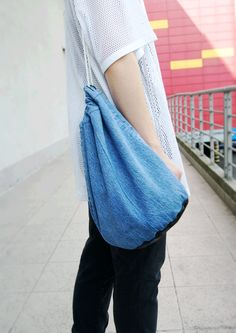 RDIY - Tutorial - how to make a simple drawstring sack bag / backpack from an old pair of jeans?