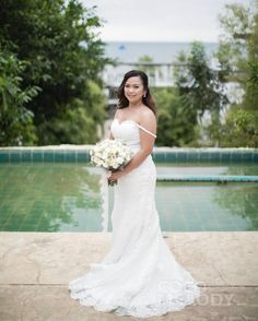 Elegant and Radiant Bridal Look From Our Customer! So Excited to See Our Bride's Beautiful Look in Our Pretty Dress. #weddingdresses #customdresses #cocomelody #bridaldresses  #weddingphotos