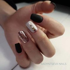 Semi-permanent varnish, false nails, patches: which manicure to choose? - My Nails Nail Art Diy, Easy Nail Art, Cool Nail Art, Diy Nails, Simple Elegant Nails, Simple Nails, Minimalist Nails, Acrylic Nail Shapes, Acrylic Nails
