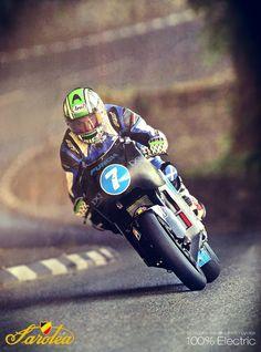 Robert Wilson on the Sarolea SP7 Electric Superbike on the isle of Man TT Zero