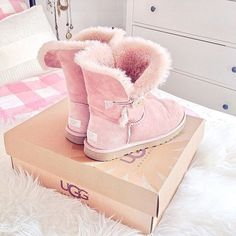 Love or Hate situation over here! I truly love this boots!  Ugg's are cosy, comfy and girly!!  This pink color will just add a special feeling to them!