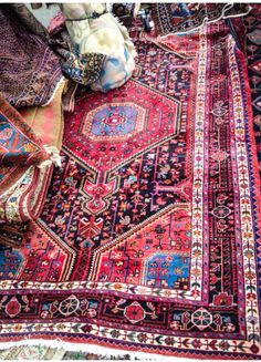 """Oriental Rug-- bright Red Repost of """"Like the idea of a bright statement rug in your living room - depending on the kind/color of couch you go with. Perhaps opt for more subdued rug if you want bright couch. Carpet Diy, Rugs On Carpet, Red Carpet, White Carpet, Cheap Carpet, Carpet Ideas, Stair Carpet, Carpet Colors, Wool Carpet"""