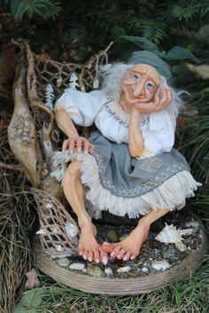 Wiccan Spell Book, Paper Mache Crafts, Fairy Crafts, Baba Yaga, Wool Art, Halloween Doll, Voodoo Dolls, Goblin King, Green Goblin