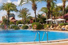 Estrella de Mar & Spa - Alcudia, Espanja - finnmatkat.fi #Finnmatkat Spa, Vacation, Outdoor Decor, Holiday, Blue, Home Decor, Starfish, Stars, Majorca