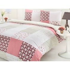 De ce lenjeria de pat este cadoul favorit la nunti Bed Sheets, Comforters, Quilts, Blanket, Pillows, Pink, Home, Scrappy Quilts, Bedspreads