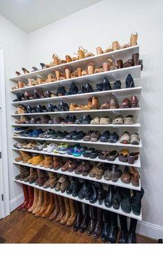 632bcd5226 Para quem precisa de dicas para organizar os sapatos de forma eficiente   veja ideias práticas com fotos — Confira e mude a forma de dispor estes  itens.