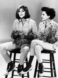 """""""Get Happy/Happy Days"""" - Barbra Streisand & Judy Garland. Judy Garland Show Hollywood Glamour, Hollywood Stars, Classic Hollywood, Old Hollywood, Judy Garland, Divas, Barbra Streisand, Actrices Hollywood, Get Happy"""