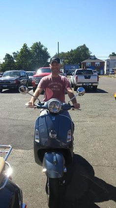 Mark B from Cheshire CT & his 2014 Vespa GTS 300 Dolomiti Gray! He's going to love the power, fuel economy & style of this awesome machine! Thanks Mark & enjoy! #vespa #vespahartford #scooter #scootercentrale #fun #summer #smile #gts