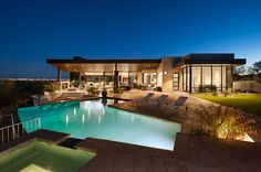 soloway designs inc. have realized a modern, luxury desert home, complete with floor to ceiling window walls and outdoor spa. Modern Architecture House, Modern Houses, Building Architecture, Outdoor Spa, Desert Oasis, Desert Homes, Floor To Ceiling Windows, Amazing Spaces, Pool Designs