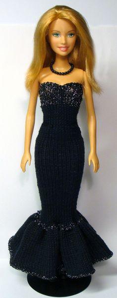 Strik en lang, glamourøs festkjole til Barbie