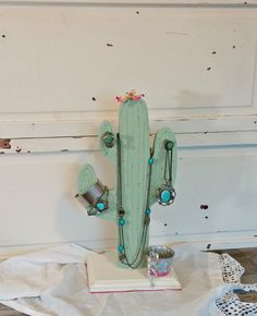 7 days of thrift shop flips for National Thrift Shop Day! Today is a makeover of this little wooden cactus!