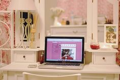Image via We Heart It https://weheartit.com/entry/43271130/via/1051456 #:) #beige #decorations #design #elegant #interior #laptop #mirror #page #pink #pretty #simple #style #tumblr