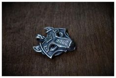 Norse Vikings Wolf Head Pendant Necklace Item Type: Necklaces Fine or Fashion: Fashion Pendant Size: 45x37 mm Style: Trendy Necklace Type: Pendant Necklaces Gen