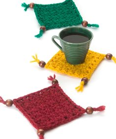 Coaster Set. Love it. Cindy can do it, too...these could be really special with all the pretty beads to choose from out there...