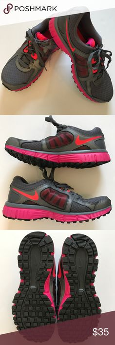 Nike dual fusion ST2 shoes Nike dual fusion ST2 women Athletic shoes. Size 8. Excellent condition NIKE Shoes Sneakers