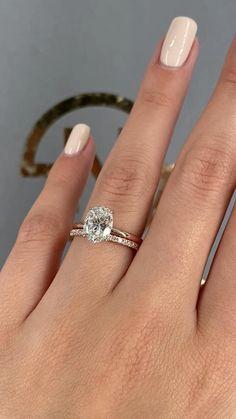 Gold Band Engagement Rings, Pave Wedding Bands, Beautiful Engagement Rings, Gold Wedding Rings, Engagement Ring Settings, Bridal Rings, Wedding Band For Men, Ring Verlobung, Dream Ring