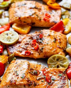 Sheet Pan Chili Lime Salmon Sheet Pan Chili Lime Salmon with Fajita flavours, and a charred, crispy roasted trio of peppers for an easy and healthy weeknight meal! Pink Salmon Recipes, Baked Salmon Recipes, Fish Recipes, Seafood Recipes, Cooking Recipes, Healthy Recipes, Seafood Meals, Top Recipes, Recipies