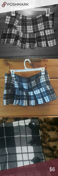 flirty plaid mini skirt i am truly cleaning out my closet i love this skirt