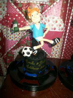 Troféu de futebol  #Biscuit #PorcelanaFria #Trofeu #Futebol #CoisasDeLaurinha