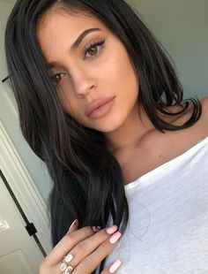 Kylie Jenner Wears No Makeup, Only Moisturizer, for Fresh-Faced Vogue Australia Cover - The kardashian's - Moda Kylie Jenner, Style Kylie Jenner, Kylie Jenner Makeup Look, Kylie Jenner Fotos, Looks Kylie Jenner, Kylie Jenner Eyelashes, Kylie Jenner Eyelash Extensions, Kylie Jenner Nose Job, Kylie Jenner Lipstick
