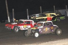 Show Me Vintage stock car racing at Valley Speedway shows you what racing was like in the past