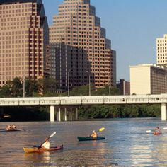 A fun and affordable activity to do in Austin is kayaking on Town Lake. People typically kayak year-round and it is a great way to see the city. Great Places, Places To Go, Travel Activities, Outdoor Activities, Color Of Life, Kayaking, Canoeing, Outdoor Fun, Austin Tx