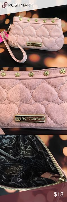 """✨HP 12/31✨Betsey 🎀 Johnson Clutch ✨Best In Bags HP✨ Chosen by the awesome @thetrendykitten 🐈 NWT Betsey Johnson wristlet in soft pink. Classic heart stitching 💕 gold tone accents and pretty roses near the zipper. Size 4.5"""" x 8"""" Betsey Johnson Bags Clutches & Wristlets"""