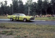 Sam Posey - Dodge Challenger - Autodynamics - Le Circuit Continental TransAm Mont-Tremblant - Trans-Am Mont-Tremblant - 1970 SCCA Trans-American Championship, round 8 Road Race Car, Road Racing, Race Cars, Auto Racing, Cowgirl Photo, Old Hot Rods, Vintage Racing, Vintage Auto, Pony Car