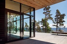 Villa Lulla by Joarc Architects is a real treasure in the world of architecture. With its sculptural lines and design, Villa Lulla is a tribute to Larch Tree, Koti, House On A Hill, Cabins In The Woods, Maine House, Home Deco, Terrace, Beach House, House Plans