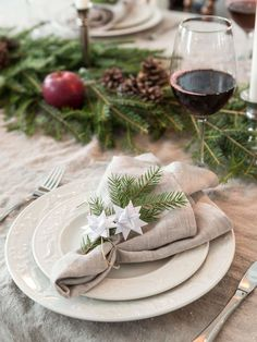 In this beautiful home in the Nordic countryside, the best old-fashioned charm and modern comfort are perfectly combined, something that is not easily. Christmas Feeling, Christmas Holidays, Merry Christmas, Minimal Christmas, Christmas Decorations For The Home, Swedish House, Wedding Table Settings, Christmas Inspiration, A Table