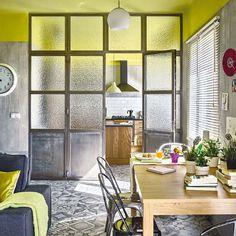 Las puertas han recuperado el poder decorativo que les corresponde por derecho propio. Si quieres descubrir cómo elegir el modelo adecuado, inspírate en estos diseños.