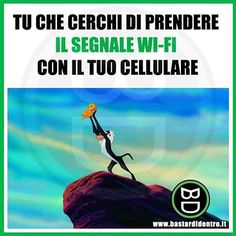 When you are searching a wi-fi signal with your mobile Funny Test, Wtf Funny, Hilarious, Funny Photos, Funny Images, Italian Memes, Serious Quotes, Savage Quotes, Funny Scenes