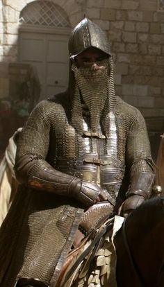 Gold Cloak - GoT // While the suit is fantasy, there are serious elements to Ottoman / Iranian armors in the 15th & 16th Centuries