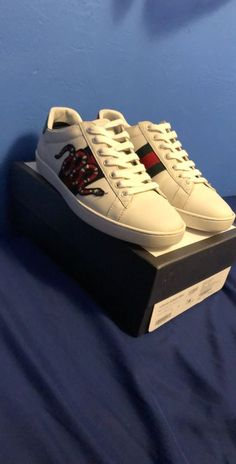 445e894352e5 Men s Gucci Ace Crystal Snake Low-Top Sneakers Size 43 EU 10 US