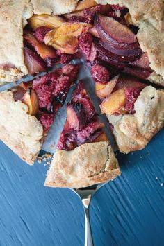 Easy Fruit Tart from Hungry Rabbit - am loving making galettes right now :)