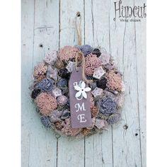 ajtodisz-dekoracio-levendula-1 Christmas Wreaths, Lavender, Rustic, Holiday Decor, Home Decor, Country Primitive, Decoration Home, Room Decor, Retro
