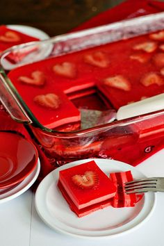 Valentine's Day Themed Jello Dessert - DIY & Crafts For Moms; a total flop for me…layered jello salads and I don't get along! Jello Desserts, Brownie Desserts, Jello Recipes, Just Desserts, Dessert Recipes, Jello Salads, Recipies, Valentines Day Food, Valentine Treats