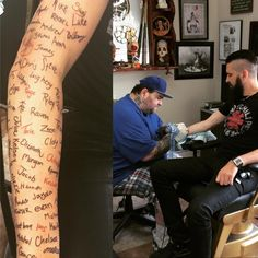 Músico tatua nomes de fãs que lhe mandaram cartas de suicídio